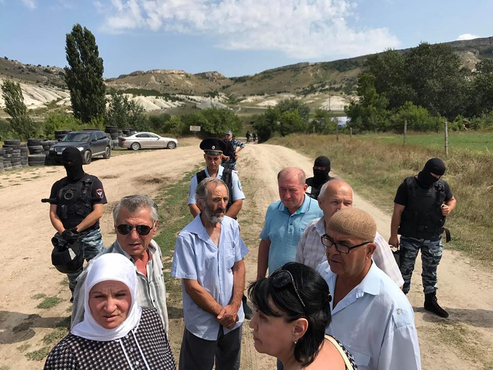 Обстановка накаляется: русские силовики блокируют акцию крымских татар