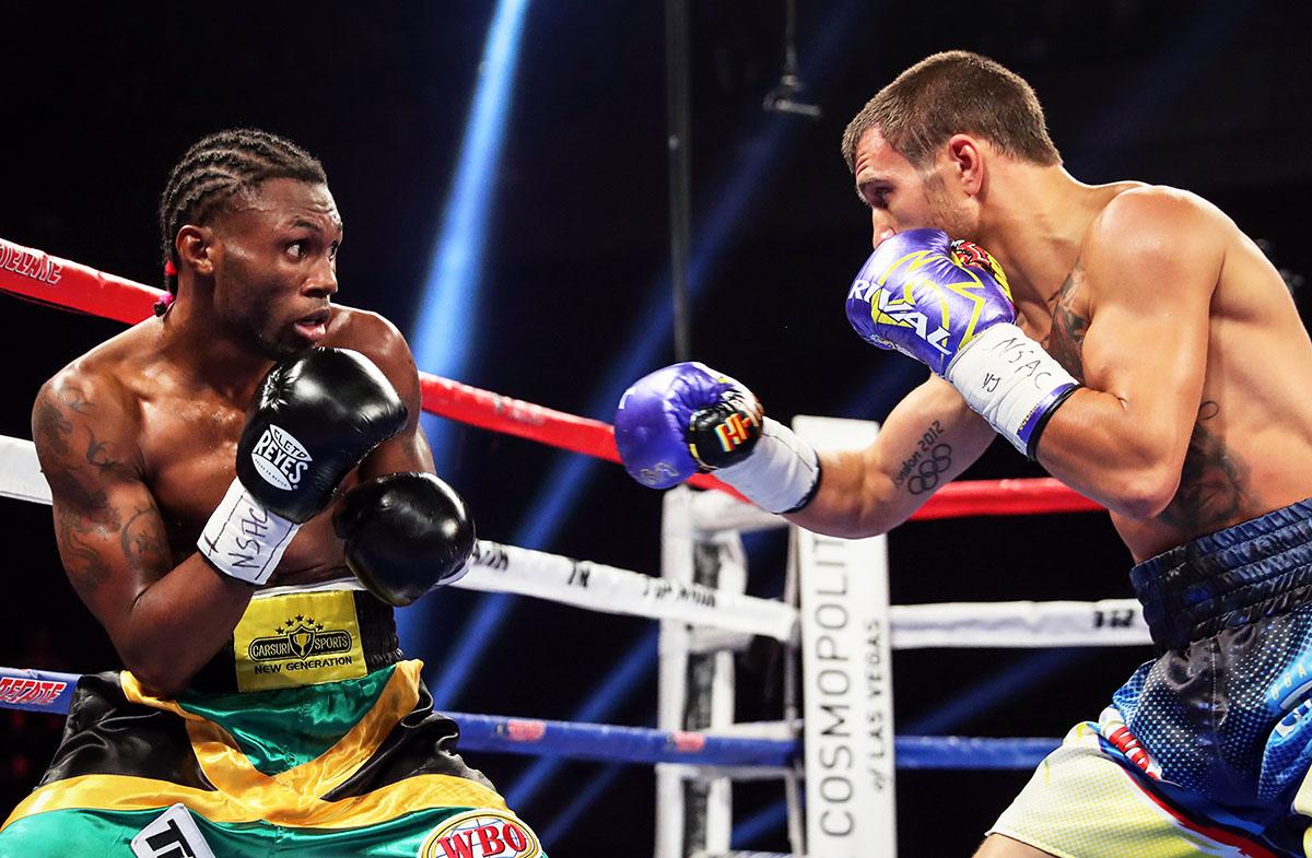 Украинский чемпион защитил свой титул по версии WBO в бою против претендента из Ямайки