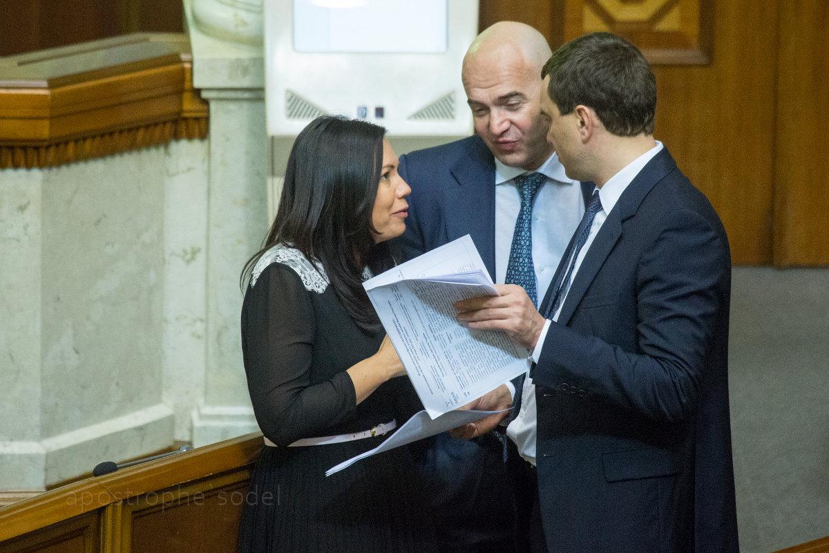 Верховная рада одобрила в первом чтении законопроекты о судебной реформе и общественном вещании