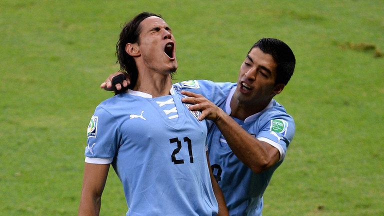 Уругвай разгромил Россию в ключевом матче за первое место в группе А
