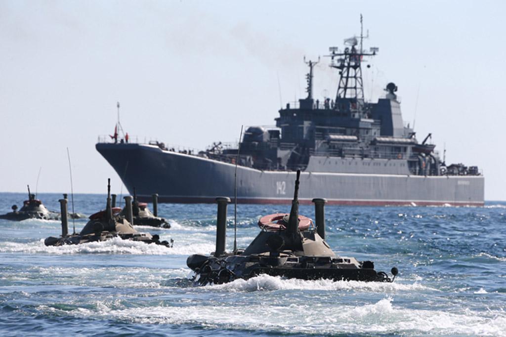 Путин продолжает бряцать оружием, несмотря на плачевность состояния российской армии