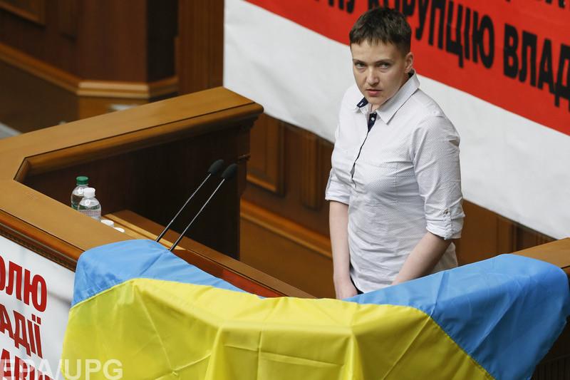 Российский политолог Дмитрий Орешкин считает, что по-человечески Савченко говорит правильные вещи, но как политику ей не хватает компетентности