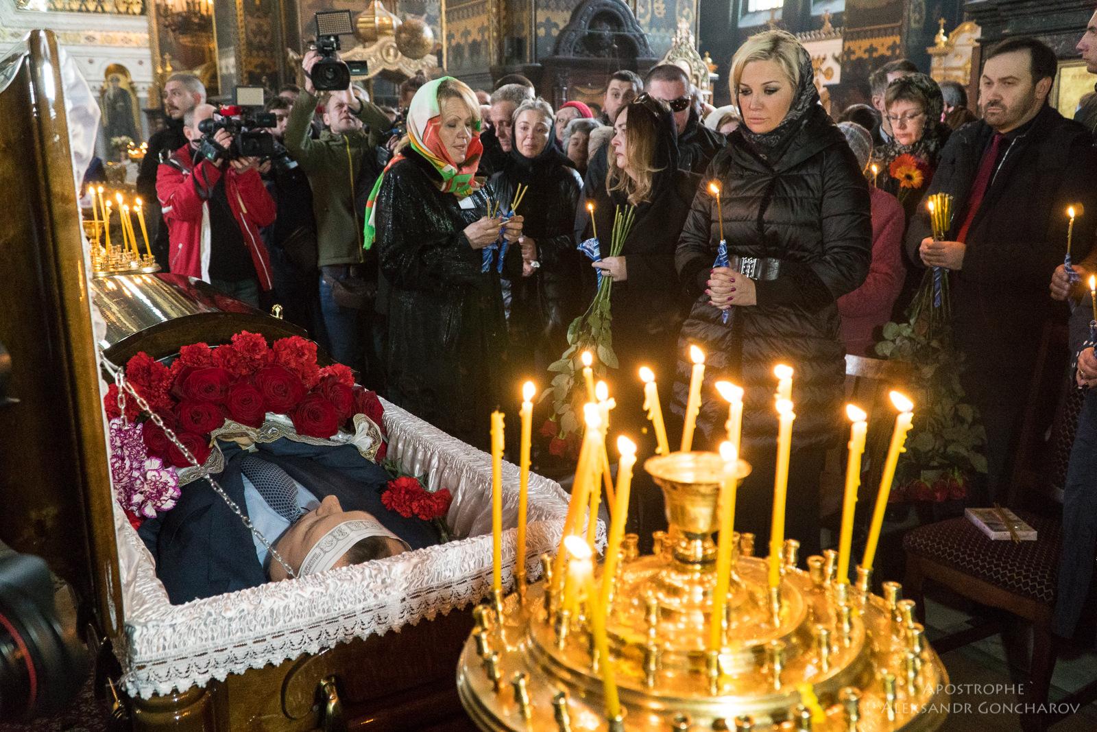 Во Владимирсом соборе простились с Денисом Вороненковым