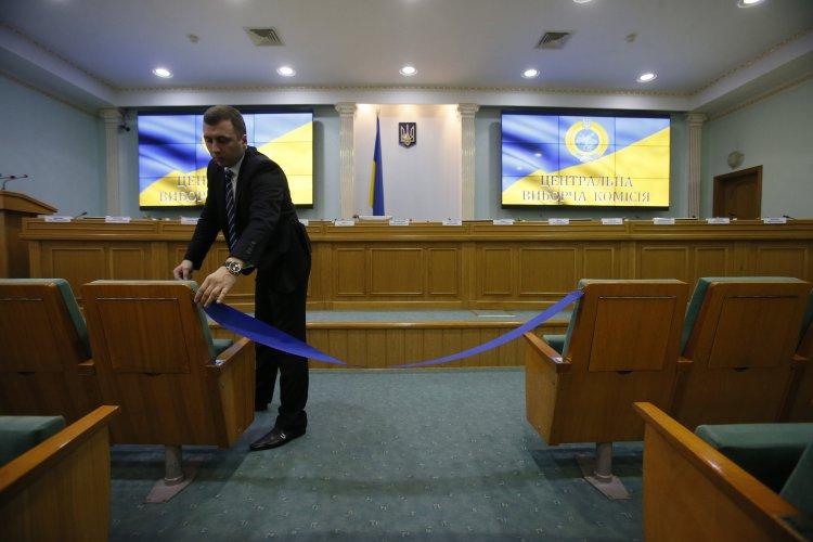 В новом составе Центризбиркома могут остаться Михаил Охендовский, Андрей Магера и Жанна Усенко-Черная