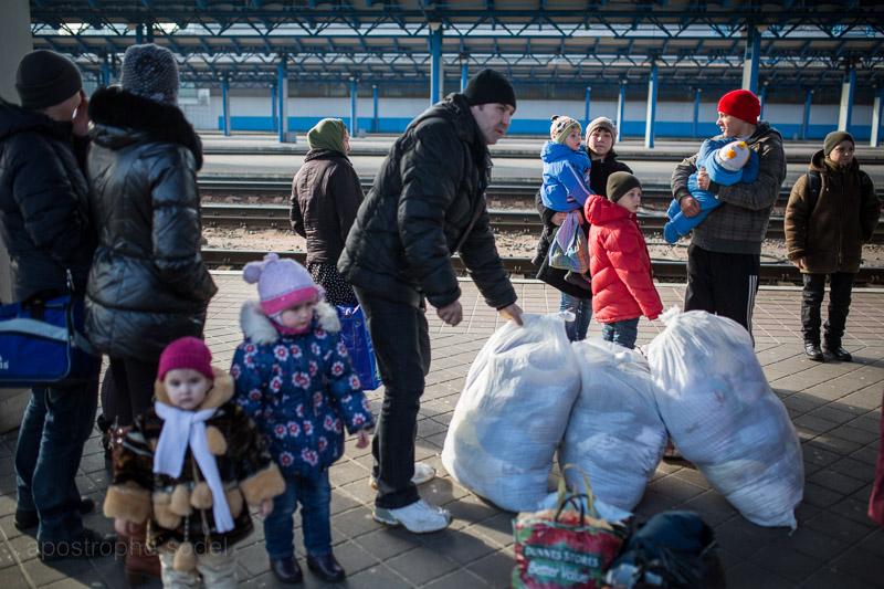 Несмотря на прекращение огня, жители Донбасса не стремятся возвращаться домой