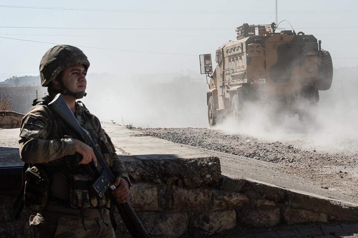 Турция проводит военную операцию в Сирии, оглядываясь на США