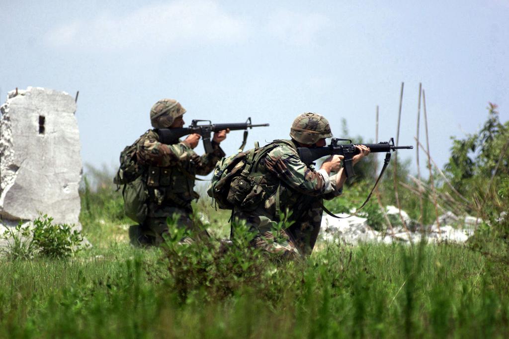 По мнению экспертов, вопрос стрелкового оружия - далеко не главная проблема украинской армии