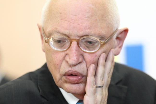 Бизнесмен прибегает к услугам политика, который выступал против интеграции Украины в ЕС