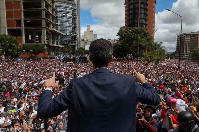 Переворот у Венесуелі зайшов у глухий кут