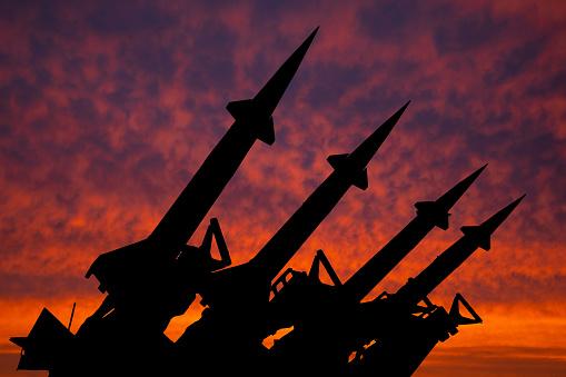 Возможно ли массированное военное наступление России на нашу страну