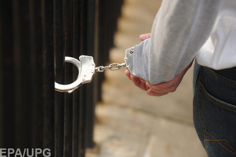 На улице Банковой, в двух шагах от Администрации президента, задержали с поличным коррупционера