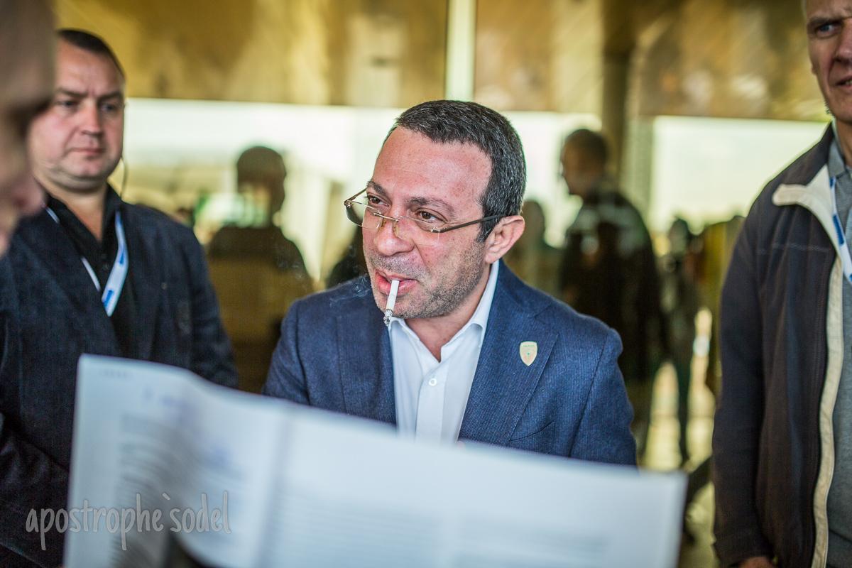 У Порошенко и Коломойского прокомментировали задержание Корбана