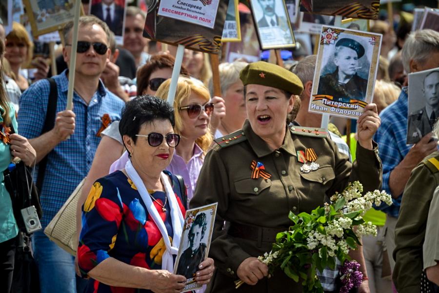 """В оккупированном Луганске прошел военный """"парад"""""""