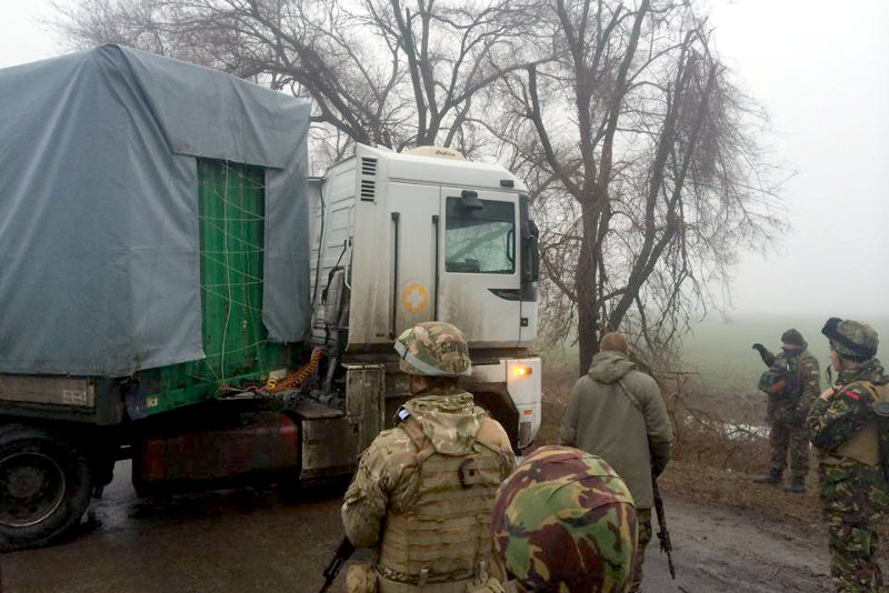 А' сопроводил одну из гуманитарных колонн в Донецкую область