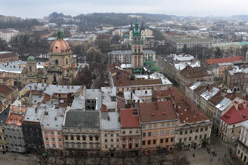 Благодаря заробитчанам и копателям янтаря квартиры в Ровно и Тернополе дороже, чем в восточной Украине