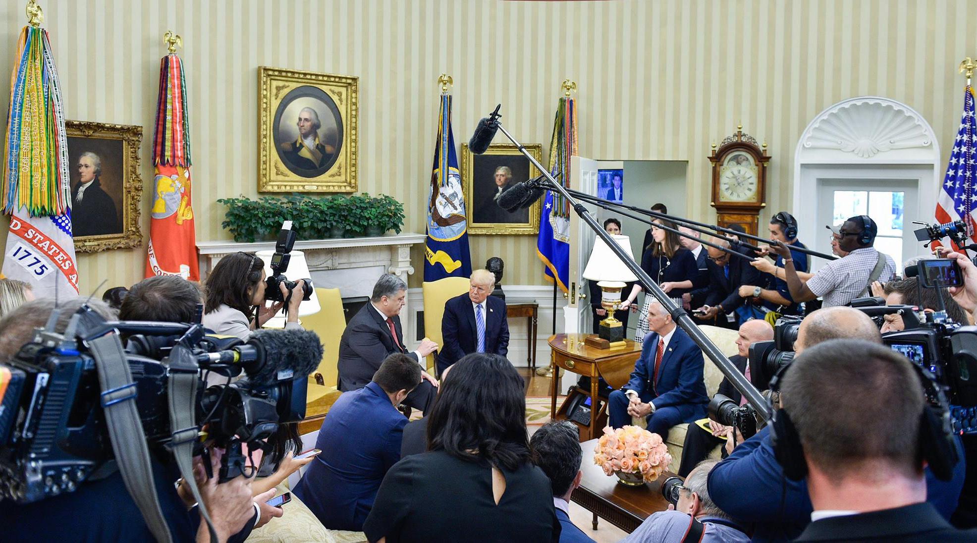 Почему в визите Порошенко в Вашингтон так много пиара