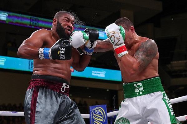Усик провел свой первый бой в супертяжелом весе