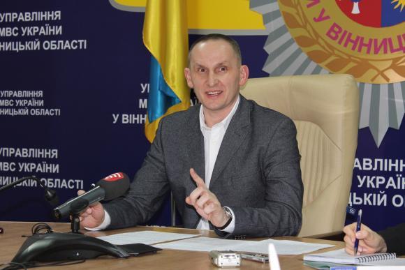 Блогеры считают, что бывшему начальнику винницкой полиции ничего не грозит из-за связи с АП