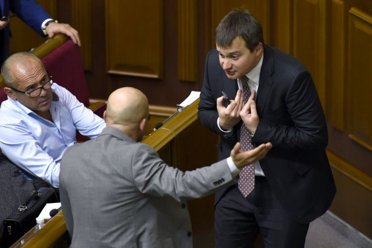 Почему Сергея Березенко и Ирину Луценко назначили заместителями председателя фракции президента в Раде