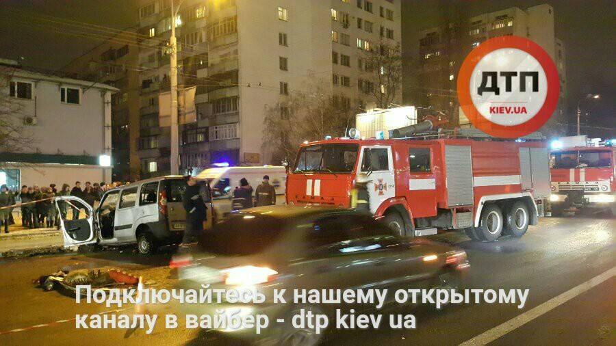 Впроцессе ДТП вКиеве пострадали 10 человек