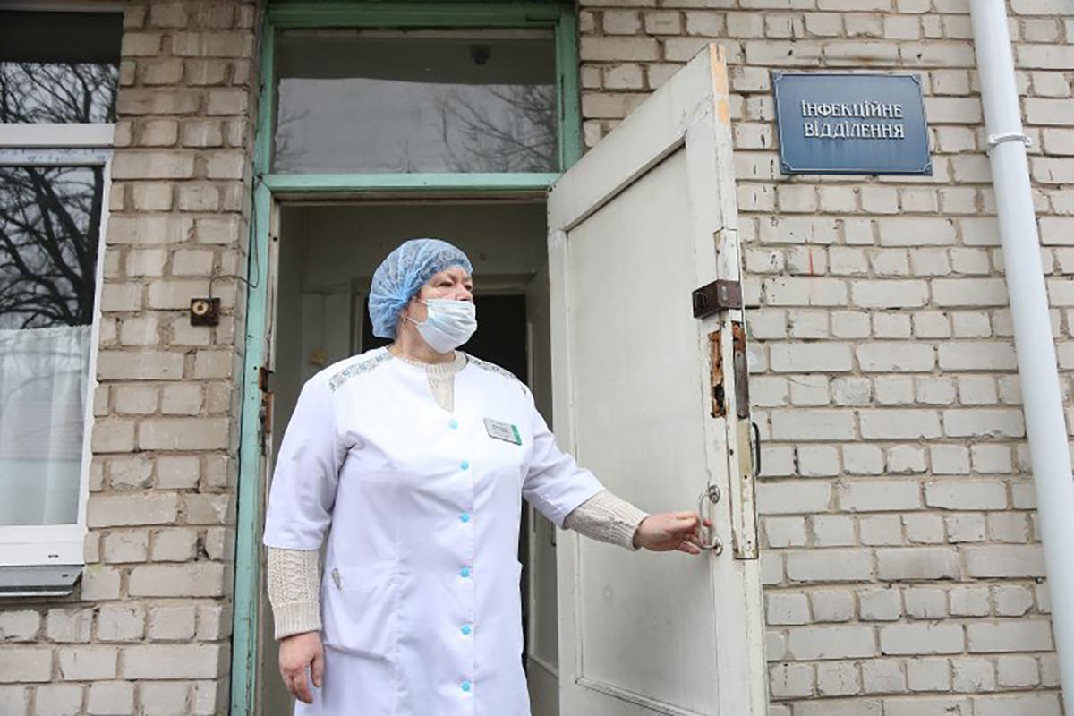 С чем украинская медицина вступает в бой с COVID-19