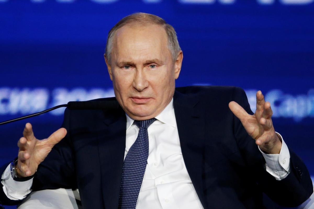 Экономический кризис больно ударит по России, но не сделает Кремль более миролюбивым