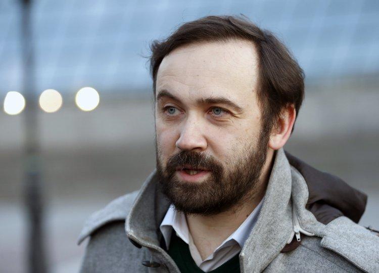 Илья Пономарев уверен, что участников Будапештского меморандума следует призвать к активным действиям