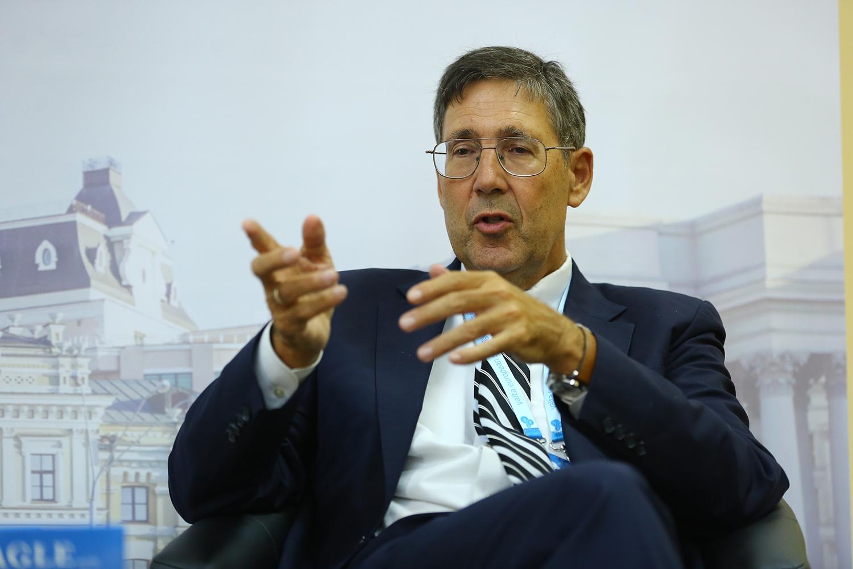 Американський дипломат про втручання Кремля у внутрішню політику в Україні й не тільки