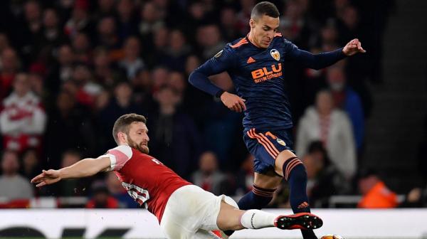 Арсенал уверенно обыграл Валенсию и вышел в финал Лиги Европы