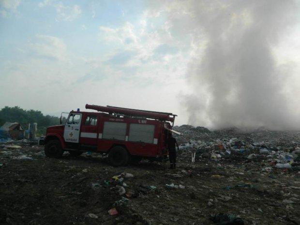 НаЗакарпатті горить сміттєзвалище— ДСНС