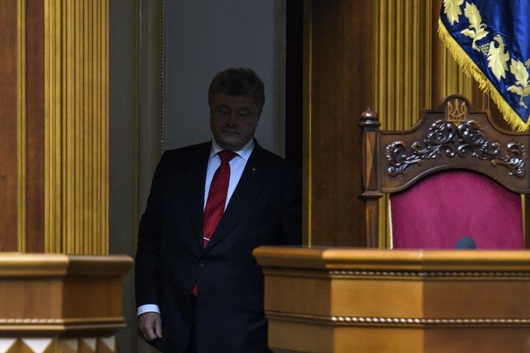 Народные депутаты проигнорировали угрозы президента