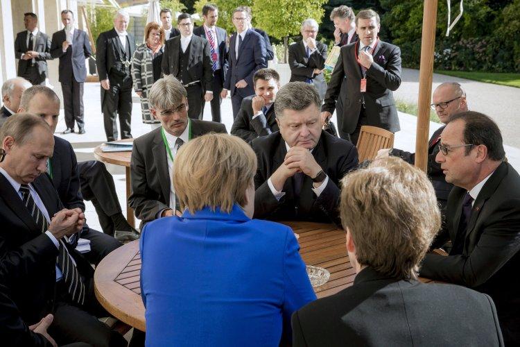 Плюсы и минусы переговоров в Париже для Украины