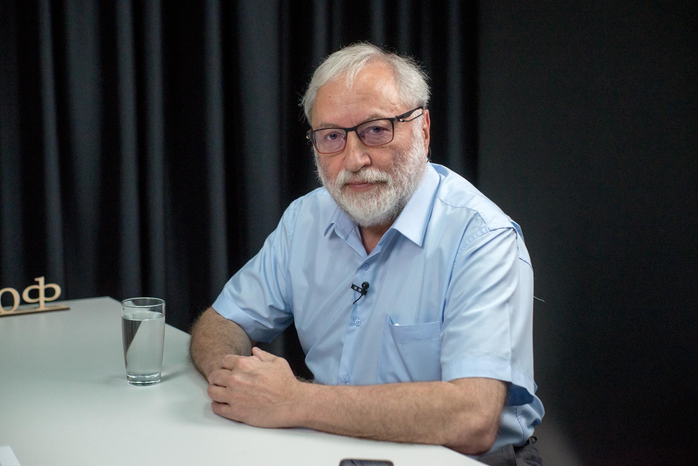 Известный диссидент о способах и возможностях закончить войну на Донбассе