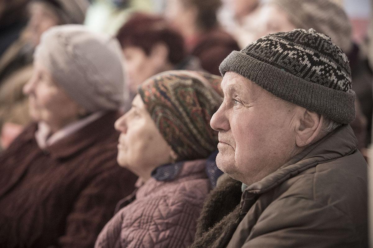 В дачном поселке Очеретино под Донецком живут люди, убежденные в том, что за ДНР воюют только шахтеры