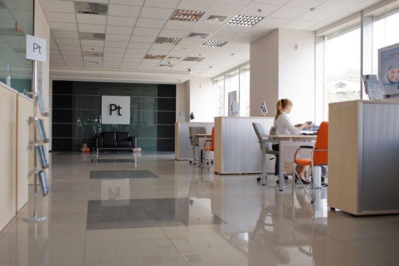 Частка приватних банків з українським капіталом продовжує скорочуватися