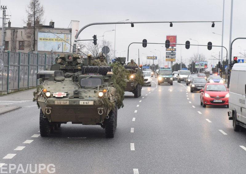 Российский политолог объяснил, что означает увеличение военного контингента НАТО в непосредственной близости от границ РФ