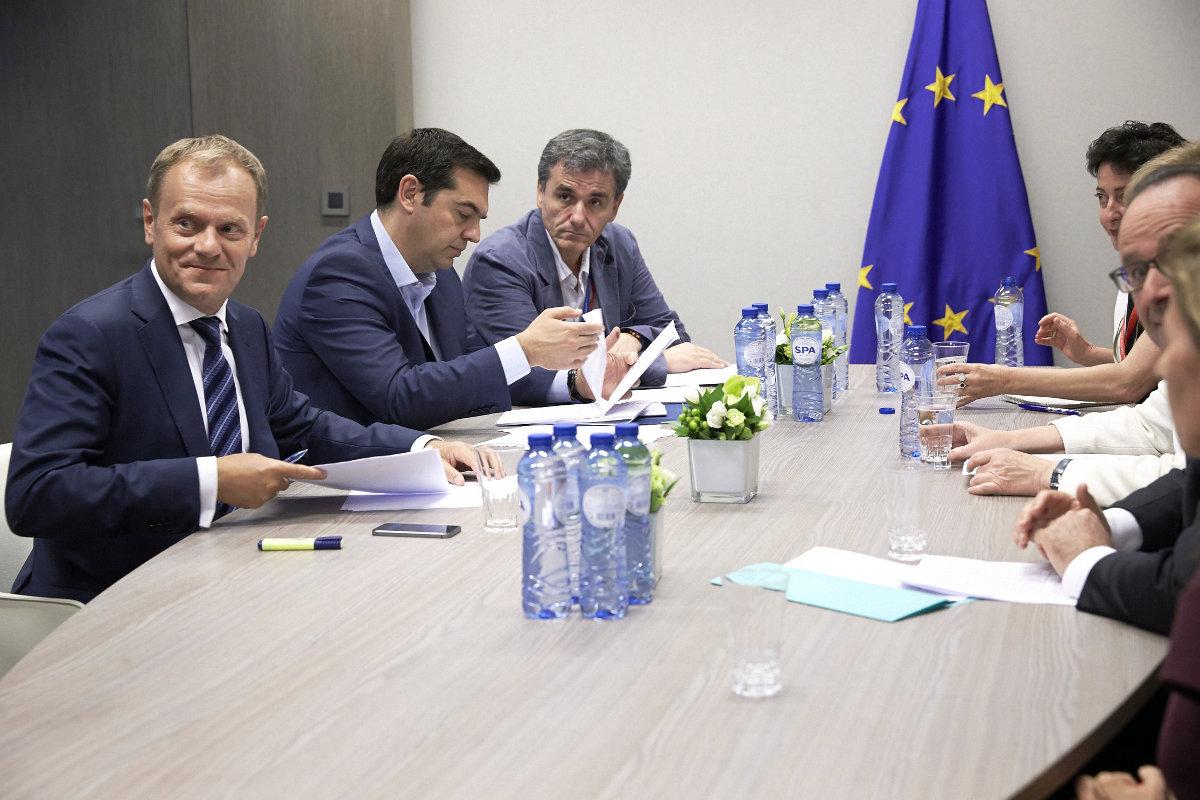 Греция получит деньги в обмен на уступки кредиторов