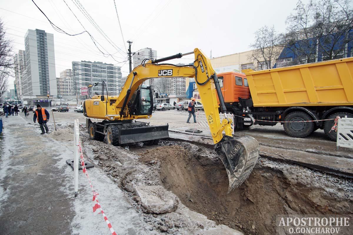 Прокладка труб Киев Проспект правды коммуникации