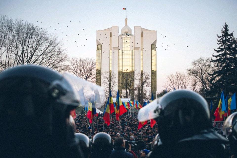 """""""Руку Кремля"""" в молдавских протестах не видят, но они могут быть выгодны РФ"""