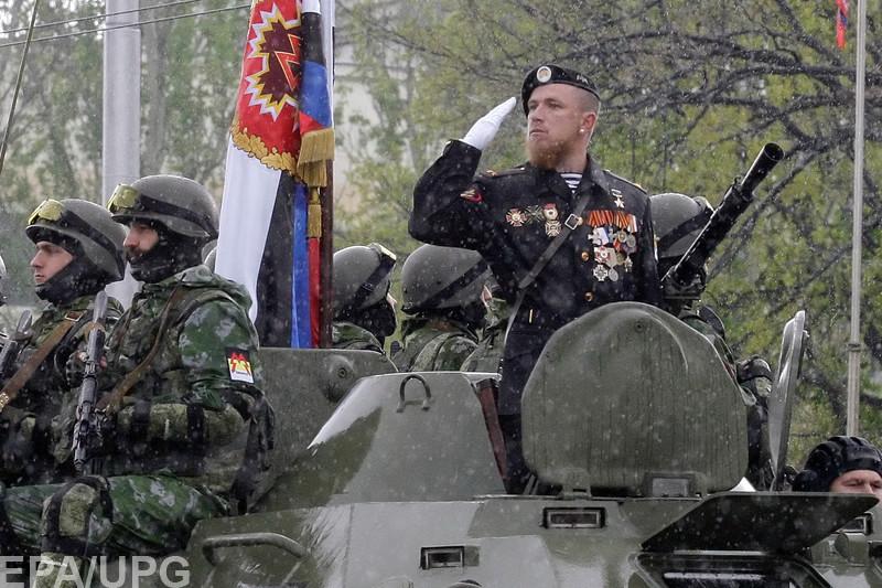 Прокремлевские блогеры, не подбирая выражений, ругают убитого боевика