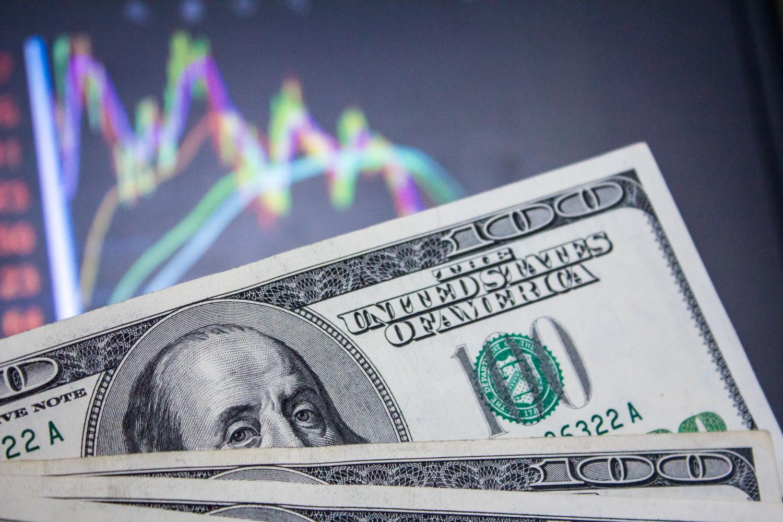 """Валютный рынок """"верит"""" в транш МВФ"""