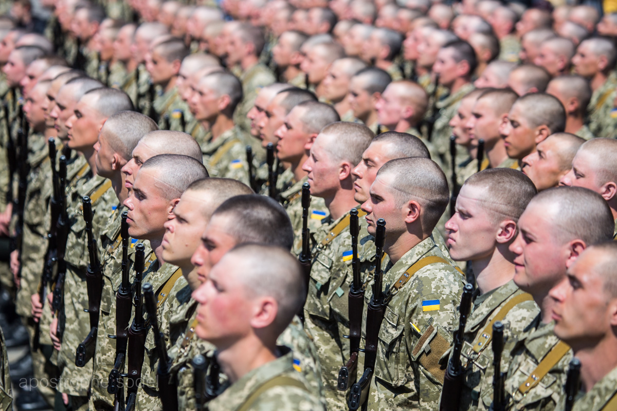 Минобороны получило свыше 5,2 млрд грн после заявления Порошенко о возможном вторжении агрессора
