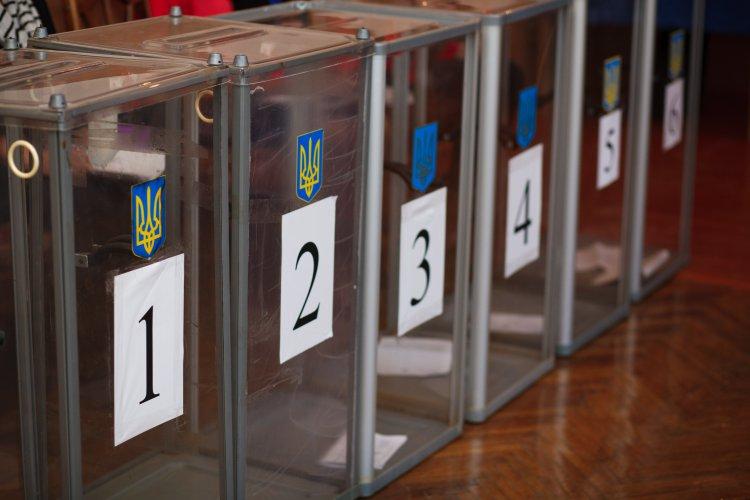 На східний електорат претендують кілька партій-важковаговиків і нові сили