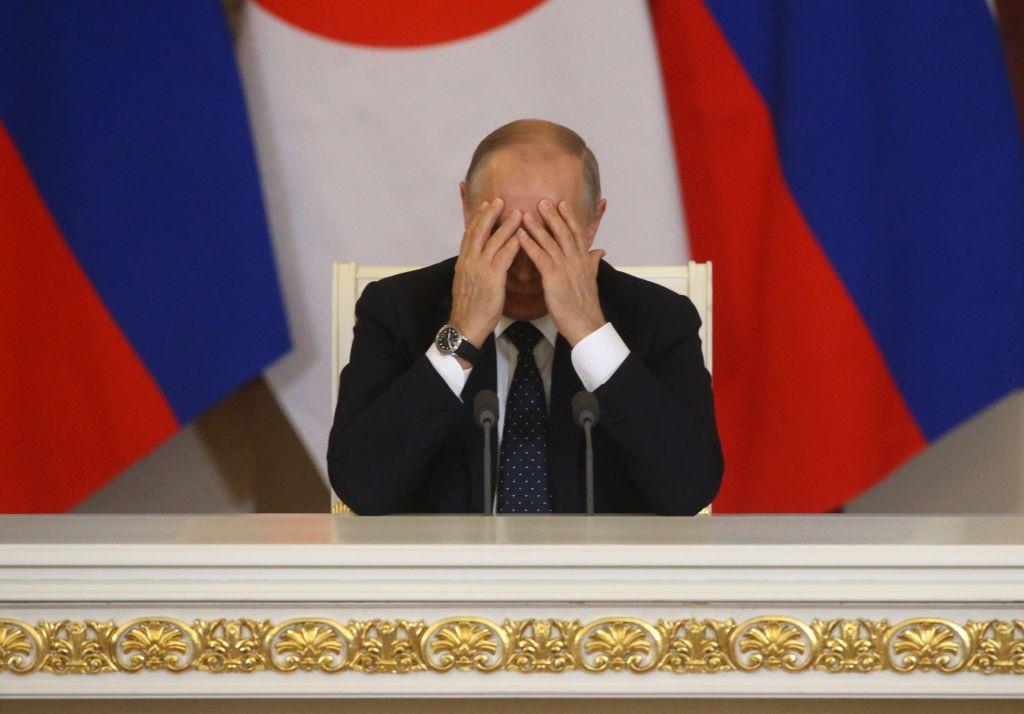 Константин Боровой о поездке Путина в Париж