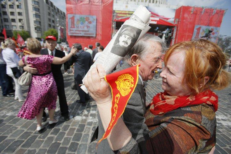 """Представители КПУ подали заявку на марш в Киеве. """"Правые"""" хотят им помешать"""