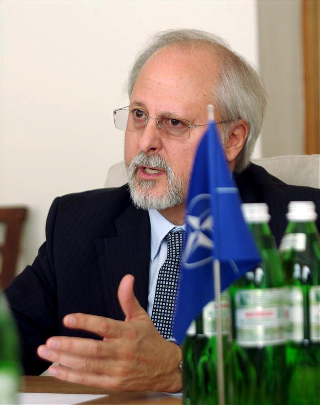 Помощник генсека альянса Трасивулос Стаматопулос об угрозах национальной безопасности Украины