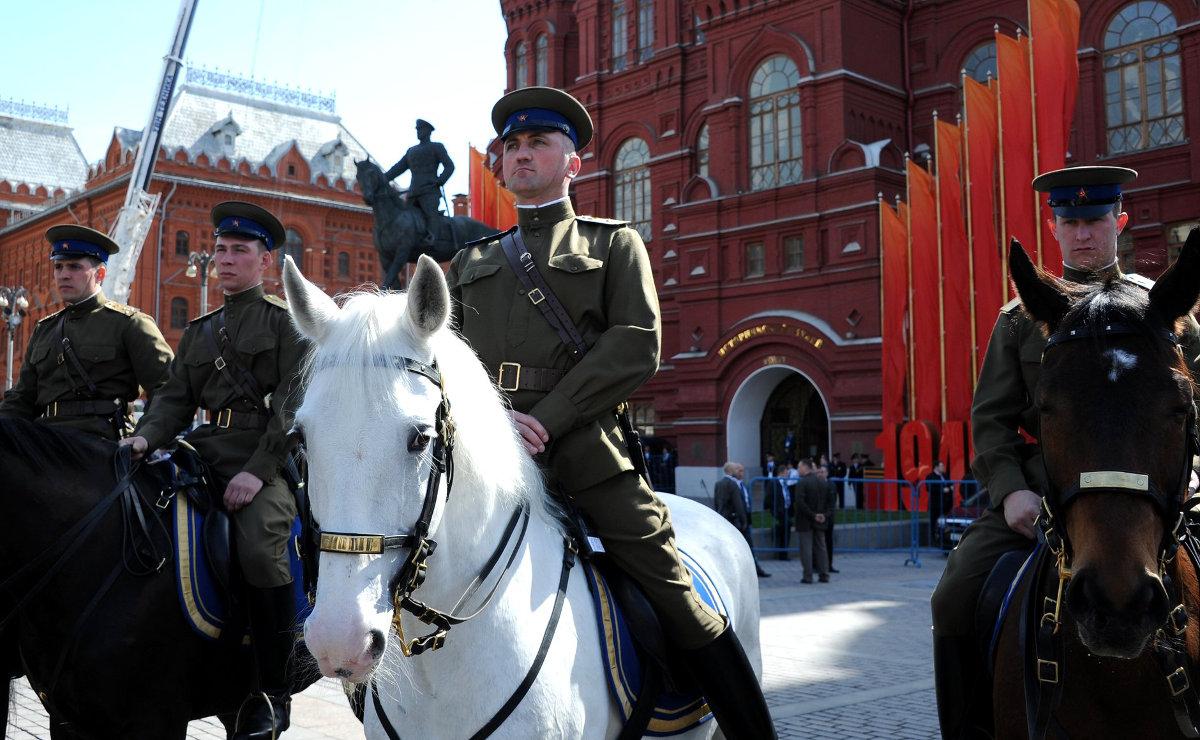 Почему Владимир Путин войной сохраняет свою власть