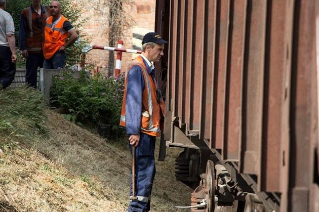 ВДнепре поезд снес трамвай: есть жертвы