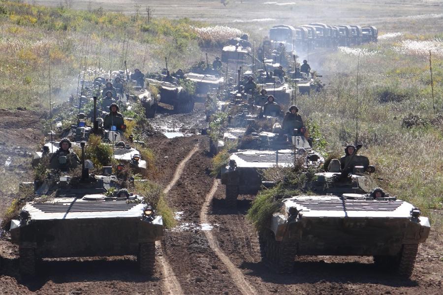 В России начался период военной истерии, считает политолог Дмитрий Орешкин