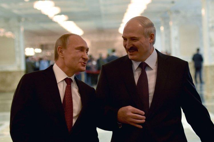 Российские СМИ публикуют материалы о насильственном присоединении к Беларуси трех областей